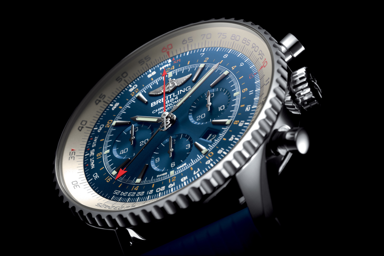 asset-version-021e9f3265-navitimer-gmt-aurora-blue_02